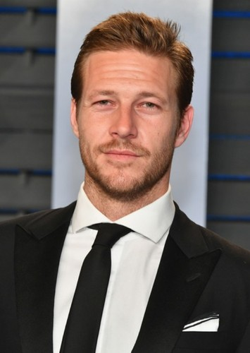 Luke Bracey as Steve Trevor in Wonder Woman 1982