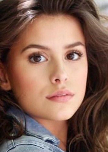 Madisyn Shipman as Jenna Marshall in Pretty Little Liars