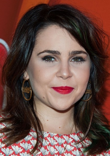 Mae Whitman as Eleonor Miller in Alvin and the Chipmunks