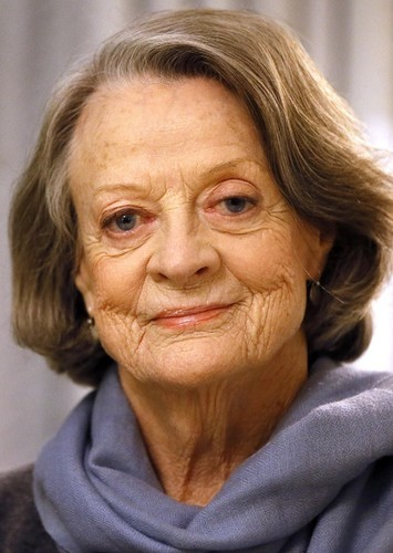 Maggie Smith as Marisa Benito in Aqui no hay quien viva international