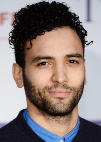 Marwan Kenzari as Cyrus the Great in Cyrus