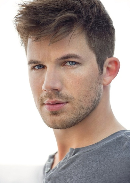Matt Lanter as Hal Jordan in Infinity Crisis
