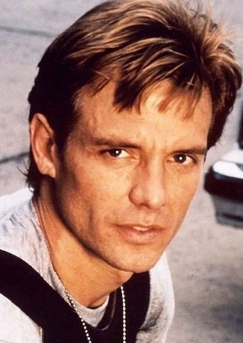 Michael Biehn as Harvey Dent in Batman: O Cavaleiro de Gotham
