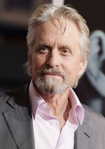 Michael Douglas as James Gordon in Batman: O Cavaleiro de Gotham