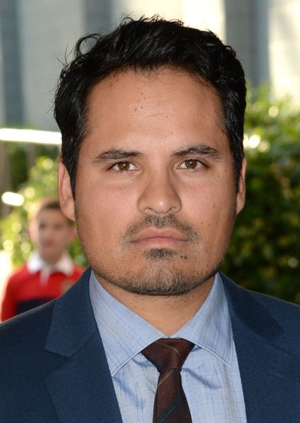 Michael Peña as Walter Stratford in 10 Things I Hate About You