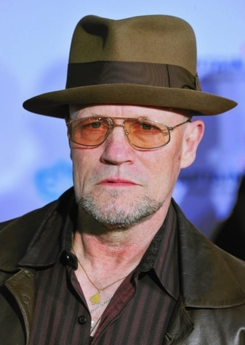 Michael Rooker as Rolf Muller(?)/Hooded Justice in Watchmen (1989) Casting