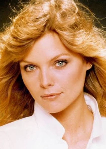 Michelle Pfeiffer as Wanda Maximoff in Wandavision (1980s)