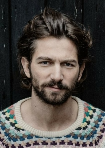 Michiel Huisman as Farui-Ul in Woman of Steel