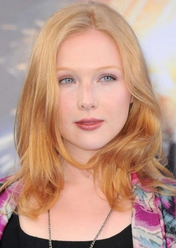 Molly C. Quinn as Ivy Vega in My Sister the Vampire