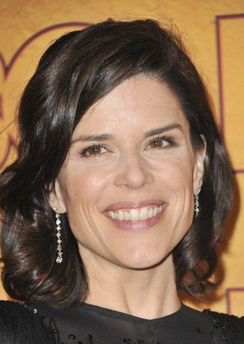 Neve Campbell as Rose Finive in Psicopatici & Proffy