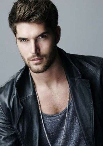 Nick Bateman as Miles Archer in Ugly Love