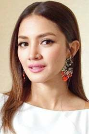 Nur Fazura as Shirin's Mom in A Very Large Expanse of Sea