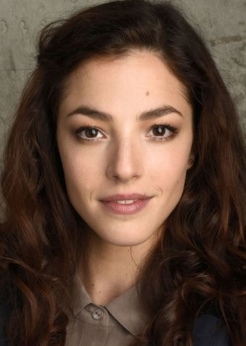 Olivia Thirlby as Teresa Petrillo in The Wolf of Wall Street (SERIES)