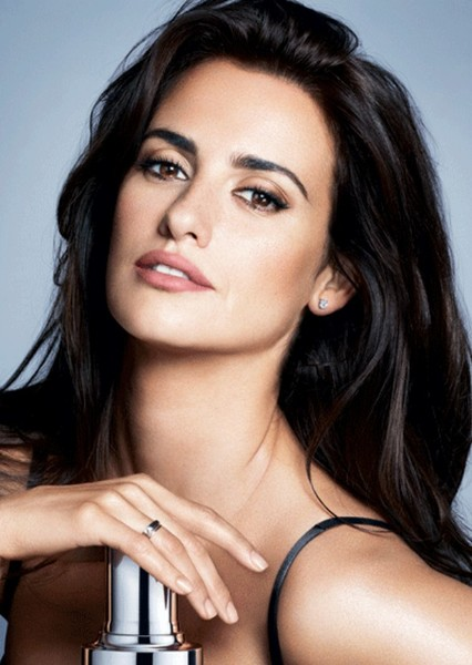 Penélope Cruz as Eva in The Commuter (2008)