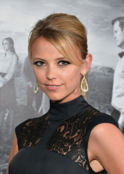 Riley Voelkel as Antonia in Red Rising