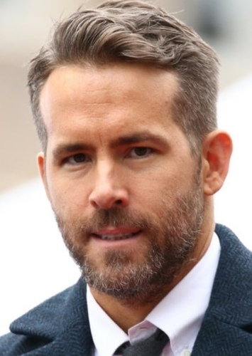 Ryan Reynolds as Captain Samuel Jones in Bumblebee The Yellow Agent