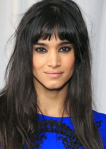 Sofia Boutella as Raven Dharkhölme in Antonishing X Men