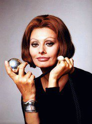 Sophia Loren as Barb Oliver in Psicopatici & Proffy