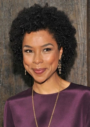 Sophie Okonedo as Peggy White in Woman of Steel