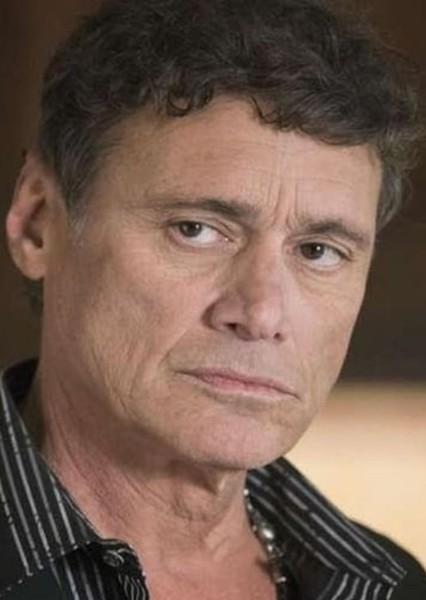Steven Bauer as Rudy in The emperor's New Groove