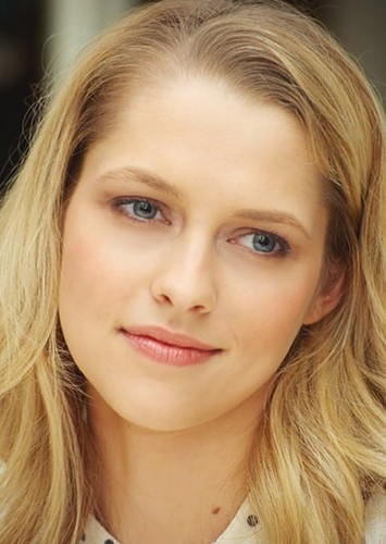 Teresa Palmer as Rachel Morton in Girls From the Bay: 1996