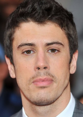 Toby Kebbell as Davan in Nova: Annihilation