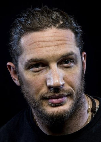 Tom Hardy as Keanu Reeves in Dream Actor / Actress-Actor / Actress Collaborations