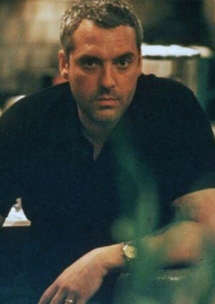 Tom Sizemore as Sergeant Mike Horvath in Saving Private Dawson