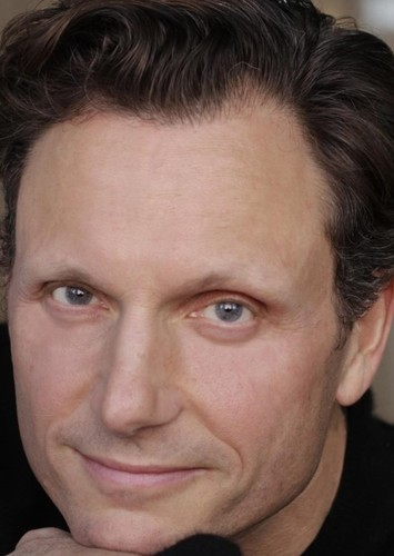 Tony Goldwyn as Tarzan in Tarzan