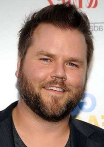 Tyler Labine as Tommy Ray in The iCarly's Reboot - This Things Happen All The Time
