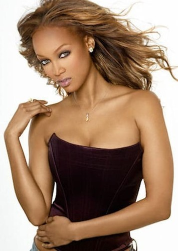 Tyra Banks as Countess Cleo in Carmen Sandiego