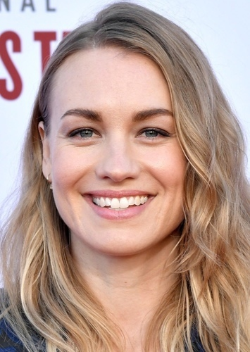 Yvonne Strahovski as Elana Fisher in Uncharted The Movie