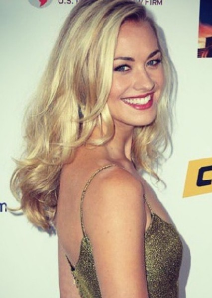 Yvonne Strahovski as Lauren Poole in Expeditionary Force