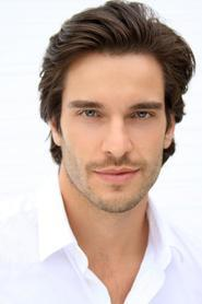 Daniel DiTomasso as Drake in The royal romance