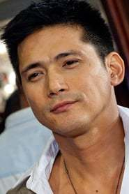 Robin Padilla as Leo Soledad in Age is Just A Number