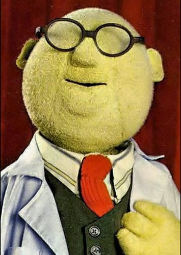 Dr. Bunsen Honeydew as R2-D2 in The Muppets in Star Wars