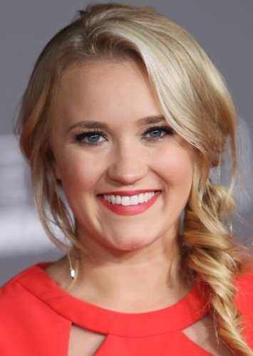 Emily Osment as Carrie Underwood in Famous Singer Biopic