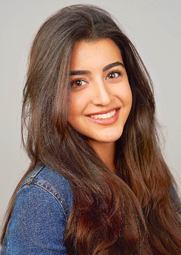 Luciana Zogbi as Jasmine in Disney Princesses