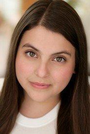 Fan Casting Beanie Feldstein as Janis Sarkisian in Mean