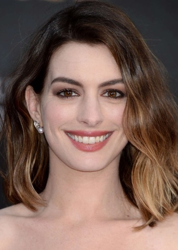 Anne Hathaway as Maria Kennedy in 11 Bullets