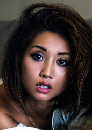 Brenda Song as Barb in Snow Dogs (2019)