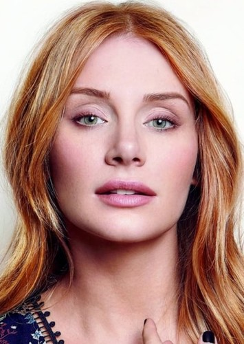 Bryce Dallas Howard as Cheryl Blossom in Riverdale (Grown up edition)