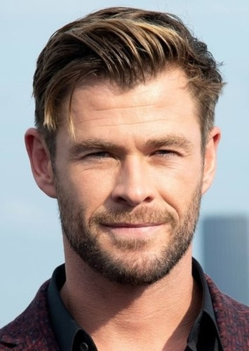 Chris Hemsworth as Fred Jones in Scooby Doo 5 Years Later