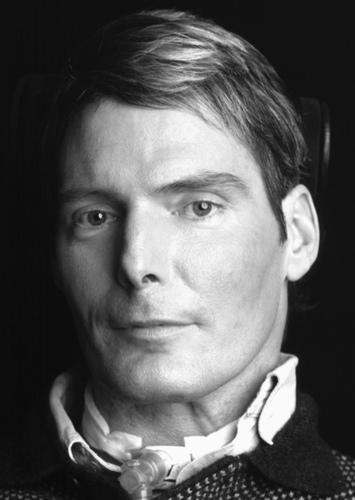 Christopher Reeve as Clark Kent in DCEU in the 90's