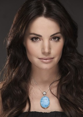 Erica Durance as Diana Ramirez in The Runaway