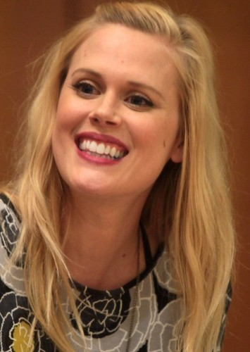 Janet Varney as Perdita in Gregor and the Prophecy of Bane