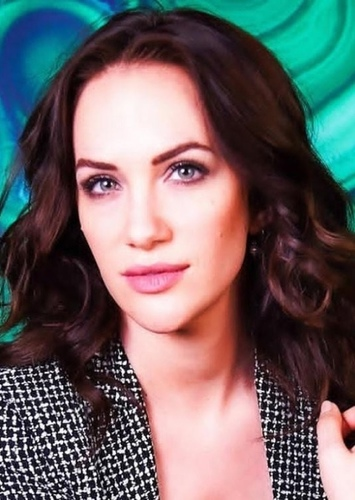 Kate Siegel as Kathy Kane in Batman