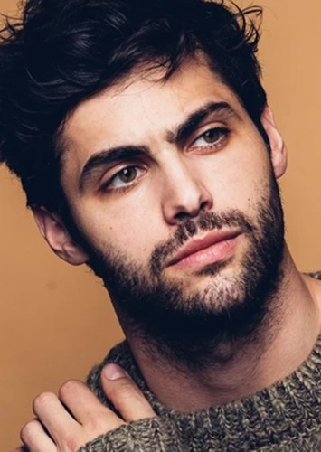 Matthew Daddario as Robin / Red Hood in DCEU Reboot