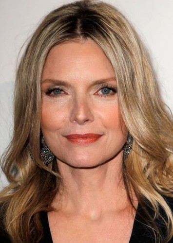 Michelle Pfeiffer as Selina Kyle in Burtonverse