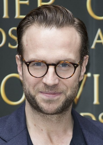Rafe Spall as Agent C in Untitled Men in Black: International Sequel